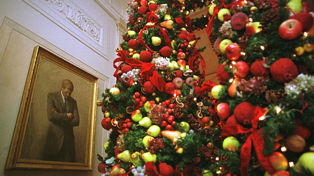 Hillary Clinton's White House Christmas Decorations