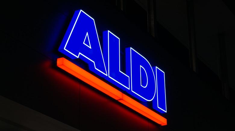 Aldi sign at night