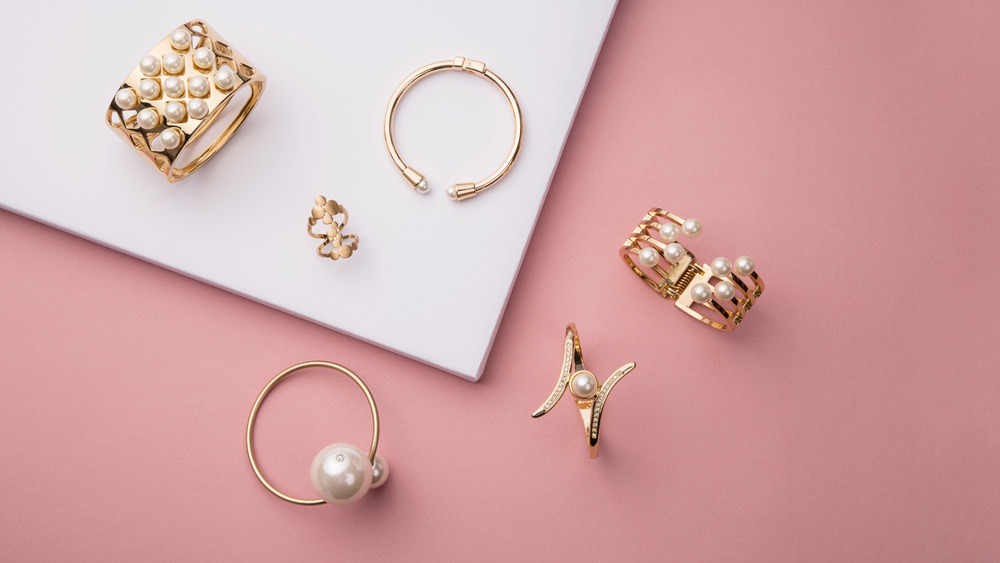 rings on a pink background