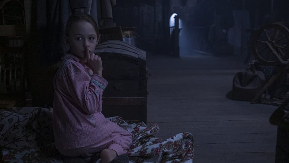 Amelie Bea Smith as Flora in The Haunting of Bly Manor
