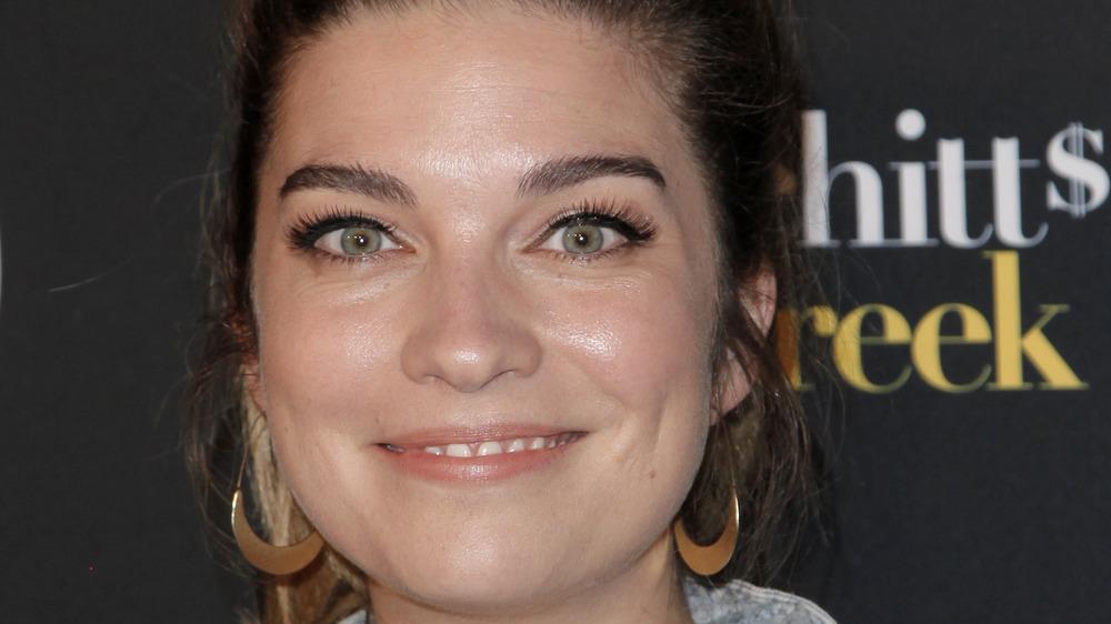 Annie Murphy gold earrings