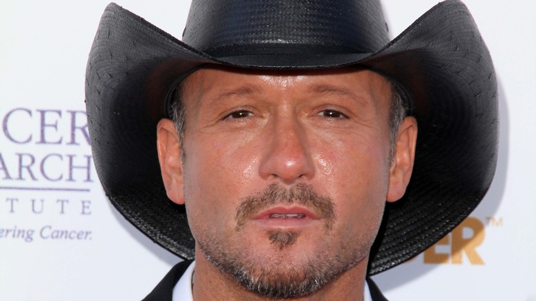 Tim McGraw poses on the red carpet.