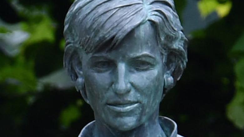 Head of Princess Diana statue