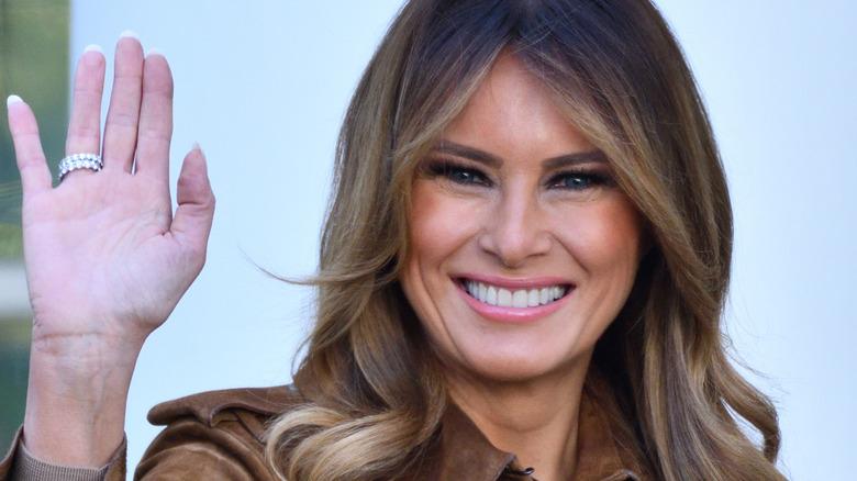 Melania Trump waving