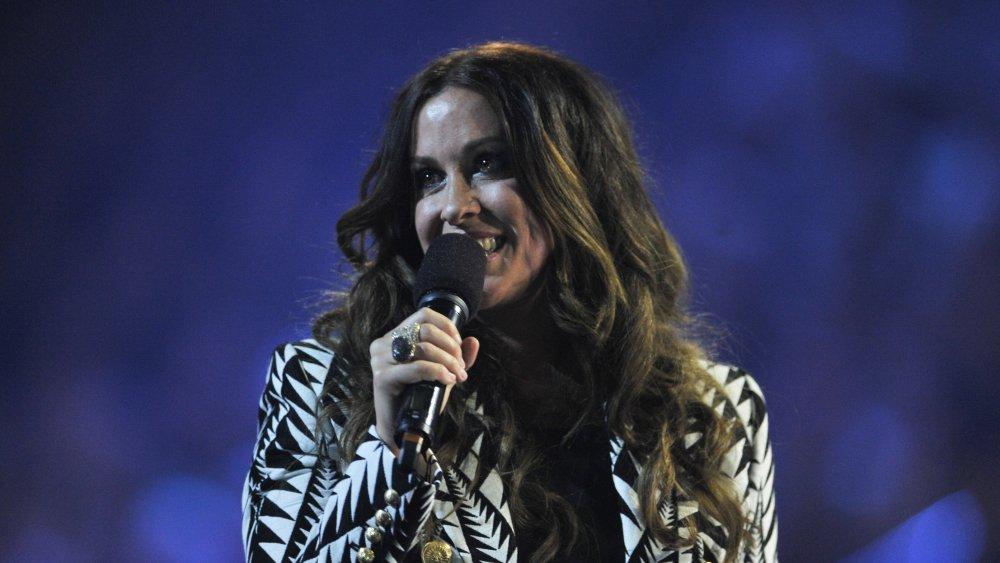 Alanis Morissette performing