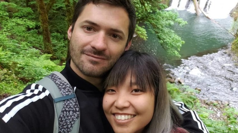 Kyle and Noon from 90 Day Fiance take a selfie