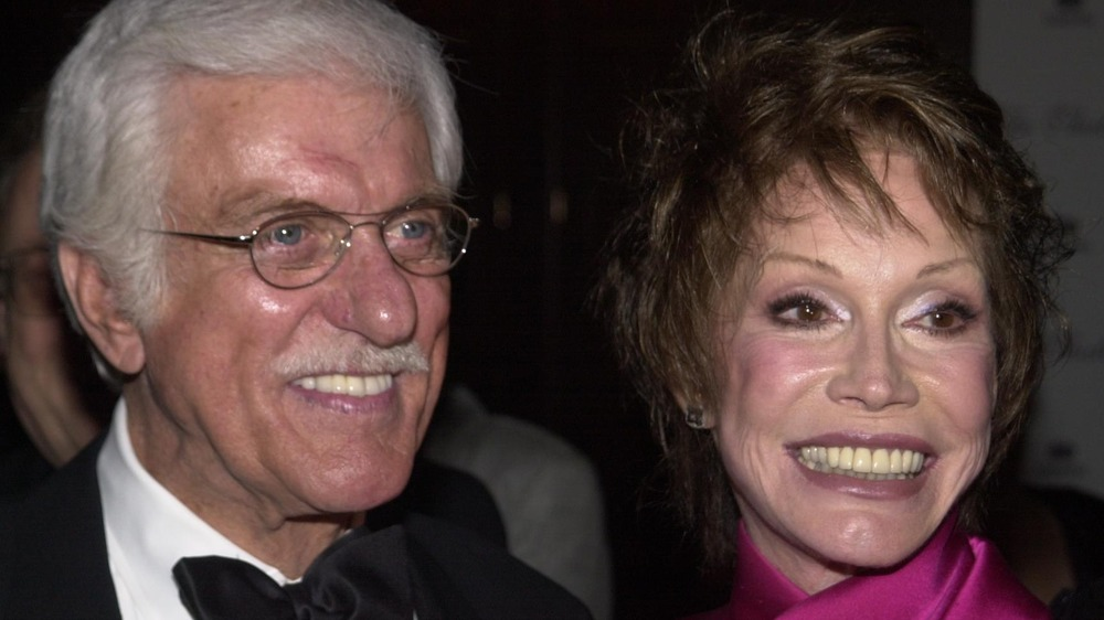 Dick Van Dyke and Mary Tyler Moore at the 45th Thalians Annual Ball in 2000