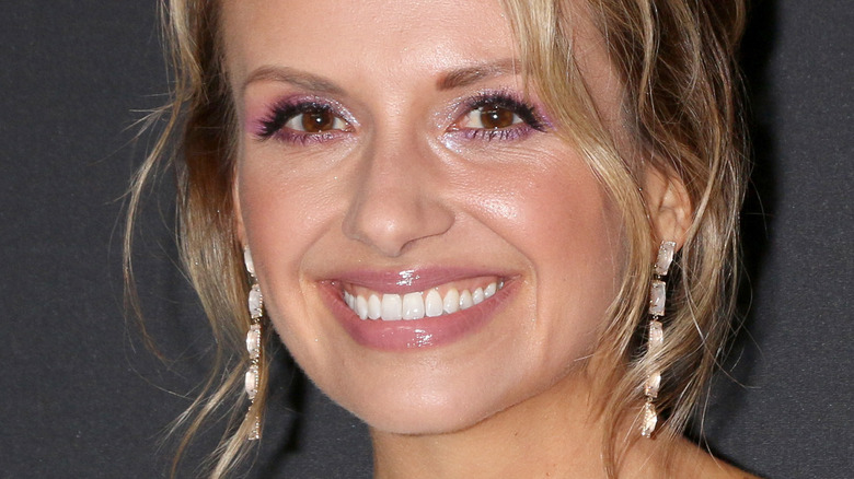 Carly Pearce smiling for cameras