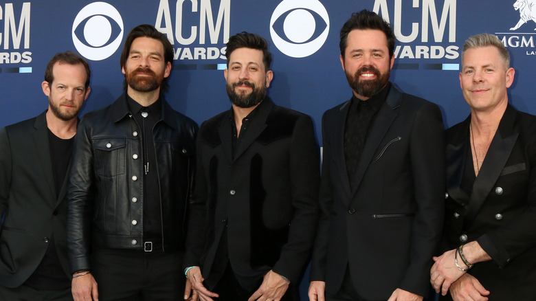 Old Dominion at event