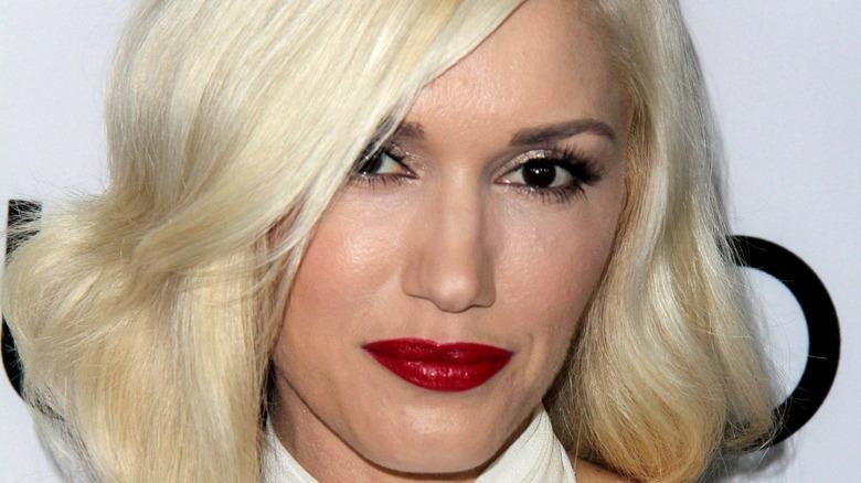 Gwen Stefani smiles on the red carpet