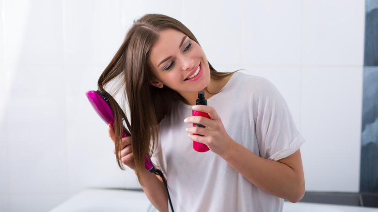 Hot brush and heat protectant spray