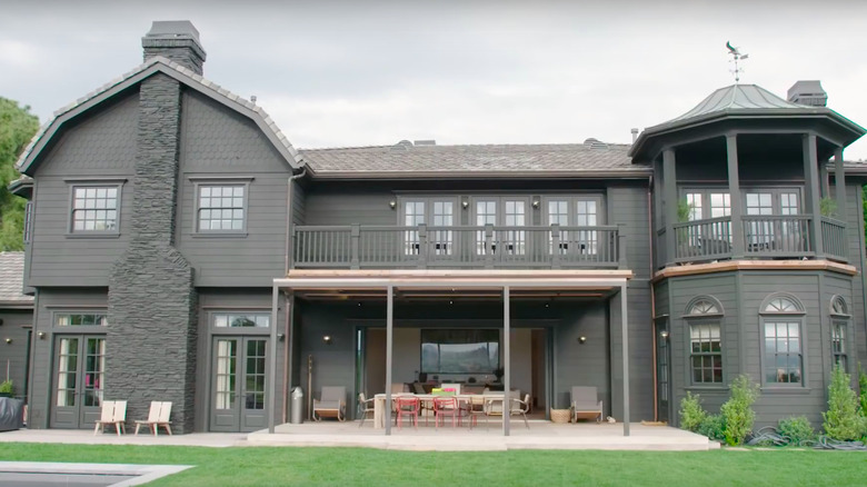 Jessica Alba's house exterior
