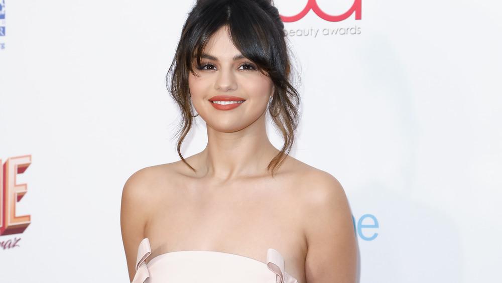 Selena Gomez Hollywood Beauty Awards