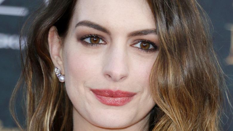 Anne Hathaway balyage