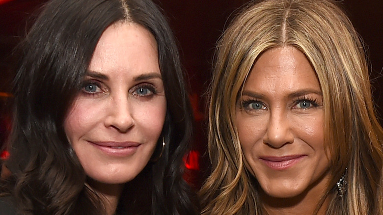 Jennifer Aniston and Courteney Cox pose together