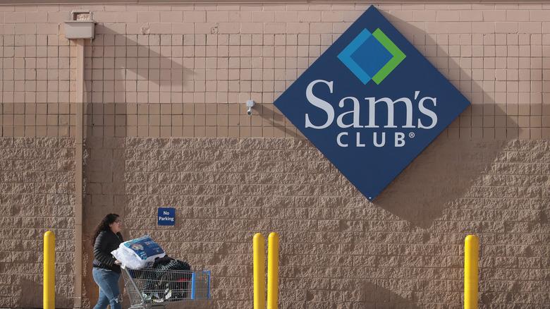 Sam's Club exterior signage