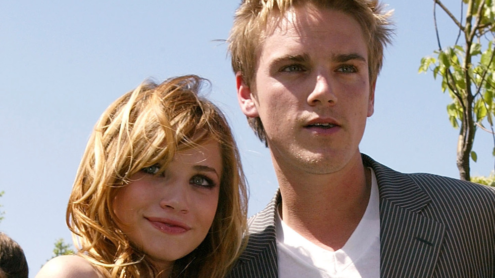 Mary-Kate Olsen and Riley Smith
