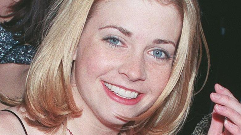 young Melissa Joan Hart smiling