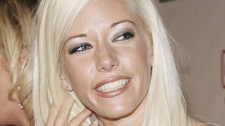 Kendra Wilkinson smiling