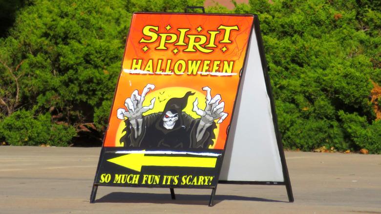 Spirit Halloween store sign
