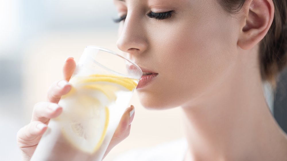 What will happen to your Body if you Drink Lemon Water Every Day