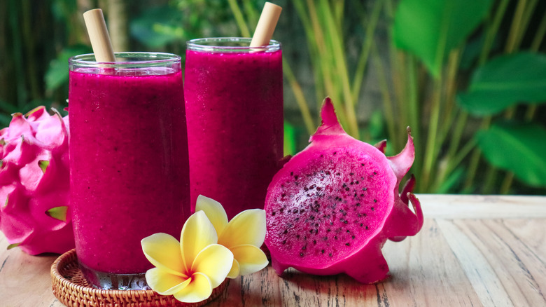Dragonfruit and dragonfruit smoothies