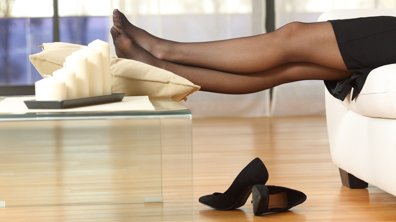 Legs inclined in tights
