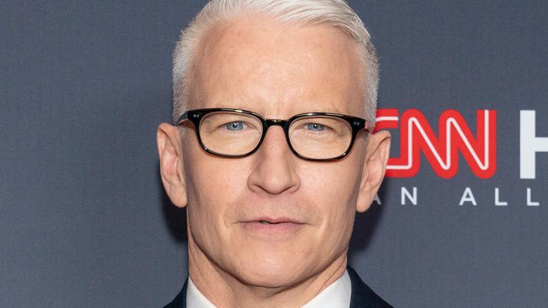 Anderson Cooper posing