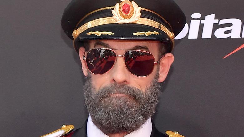 Actor Brandon Moynihan as Captain Obvious