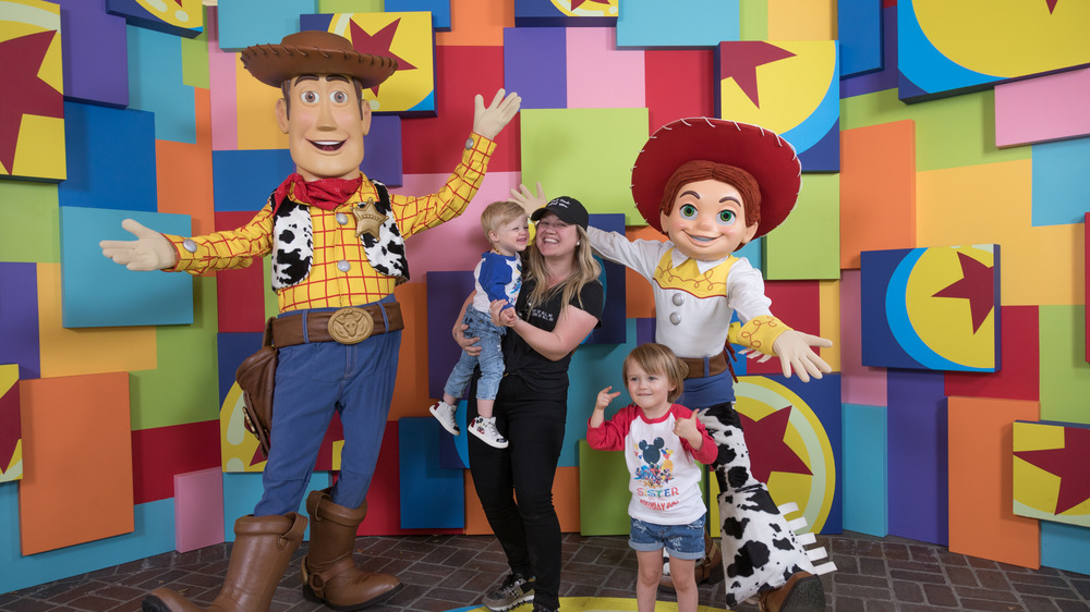 Kelly Clarkson and kids