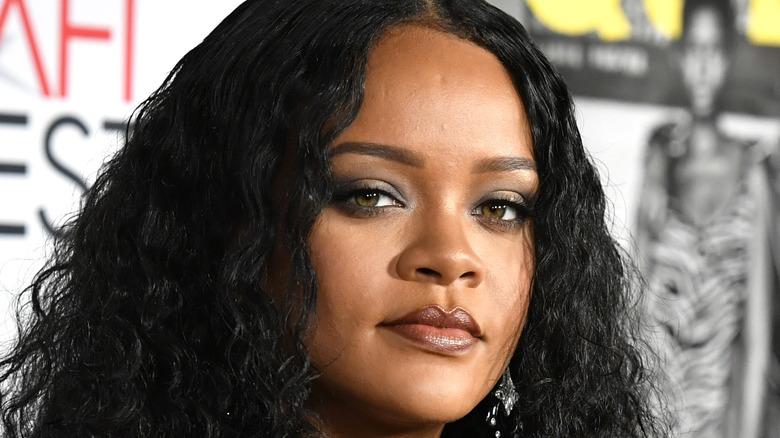 Rihanna wearing a smoky eye