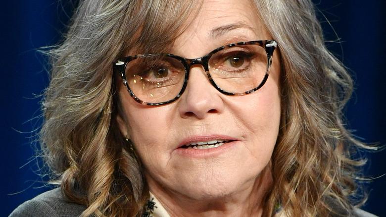 Sally Field wears glasses