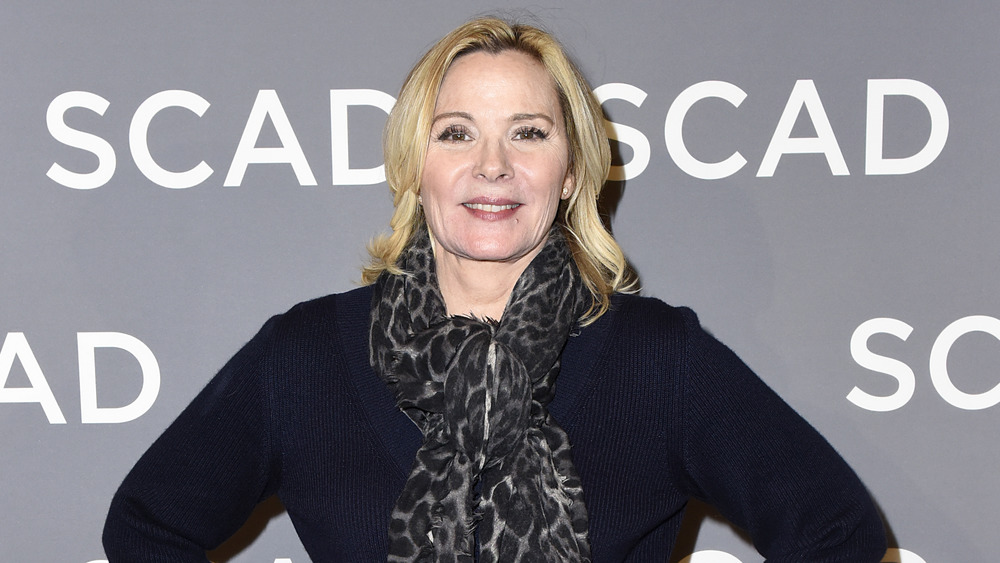 Kim Cattrall posing on the red carpet