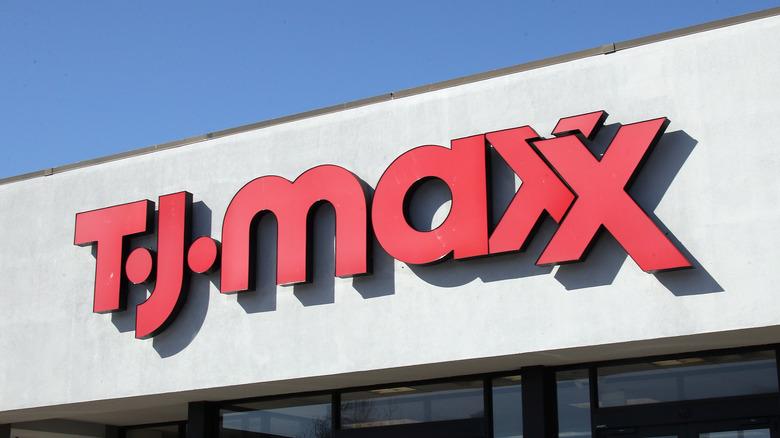 T.J. Maxx sign